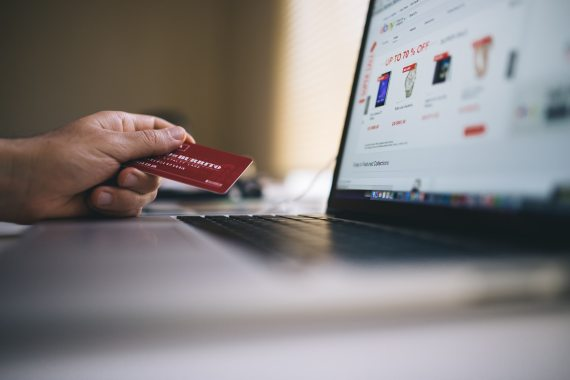 banking-buy-computer-34577