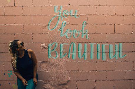 background-beautiful-beautiful-girl-1328545